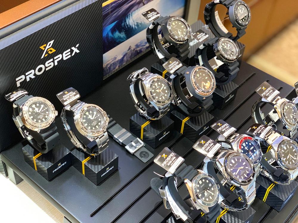 昔ながらのダイバーズデザインを踏襲して、人気急上昇中のプロスペックス。数万円から本格的ダイバーズが購入できるのも魅力的。